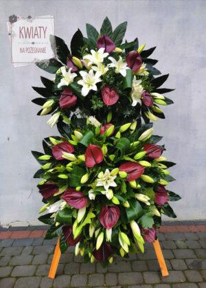 Wieniec duży z naturalnych kwiatów na pogrzeb